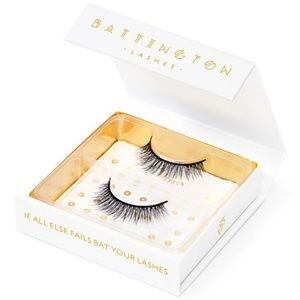 2 for $20 ⭐️ Battington Monroe Silk Lashes